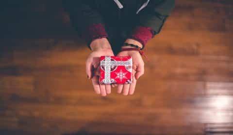 Aktier och fonder i julklapp